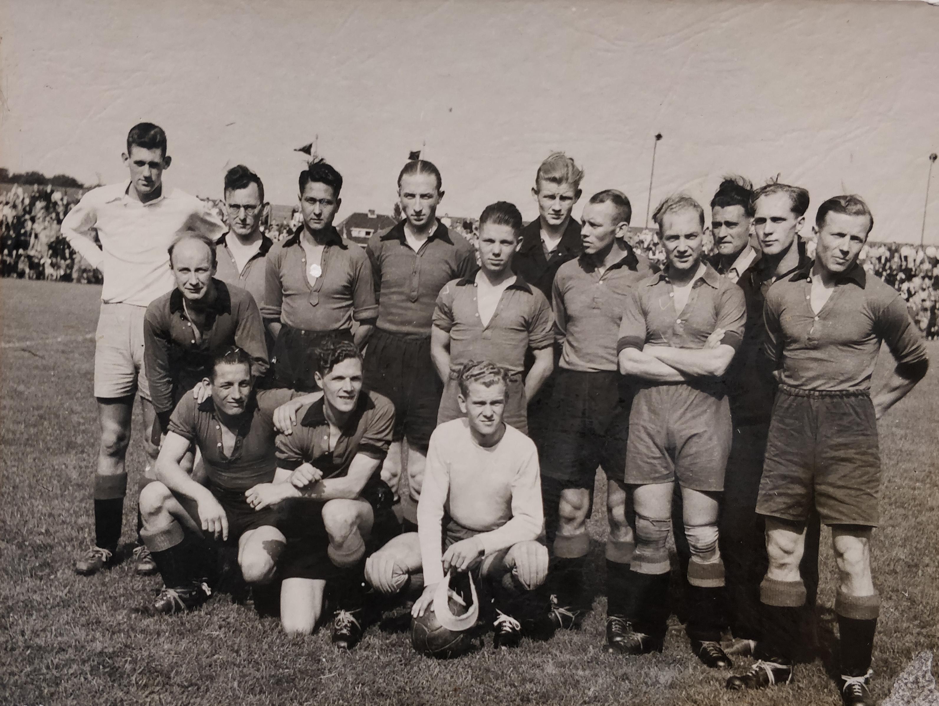 1952 Achilles 1 .